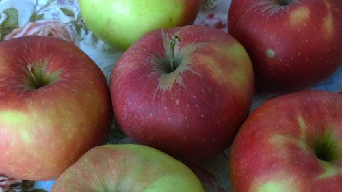 apple close healthy