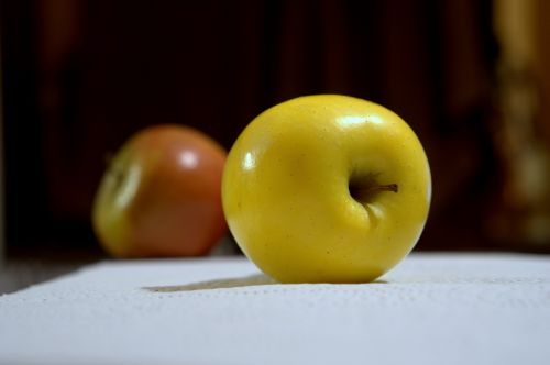 apple fruit edible