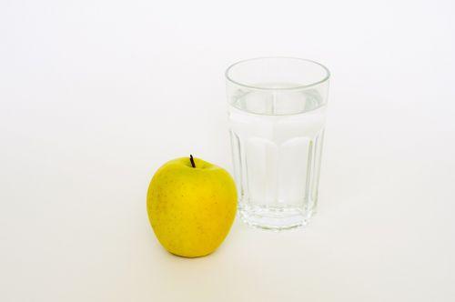 apple glas water