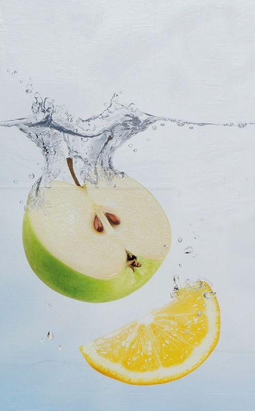 obuolys,citrina,vandens vonia,nuotraukos sudėtis,reklama,maistas,sveikas,vitaminai,purslų,švirkšti,panardinimas,nuleidimas,šviežias,geltona,žalias