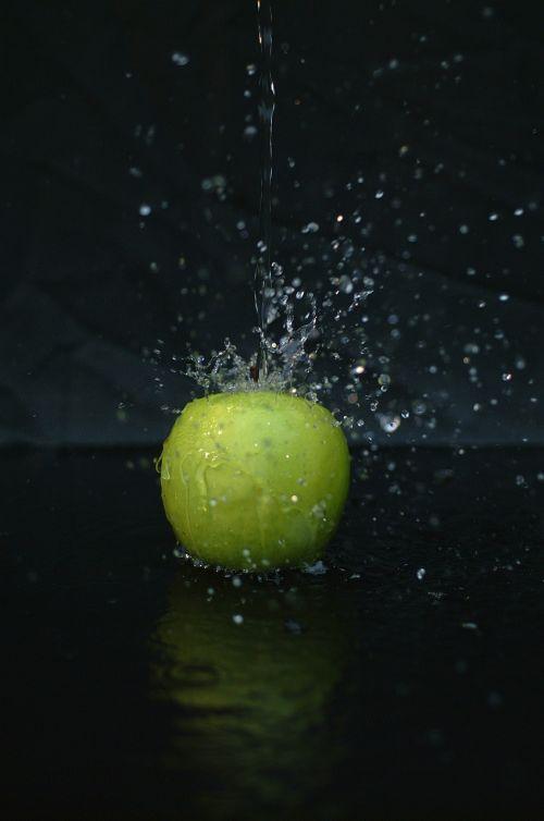apple water drop