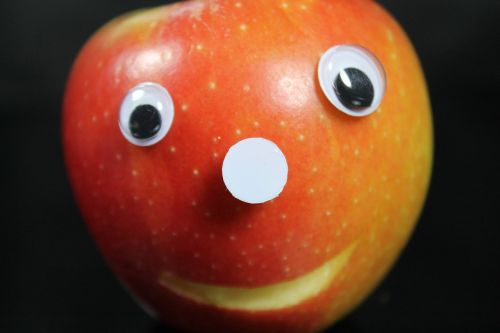 apple face eyes