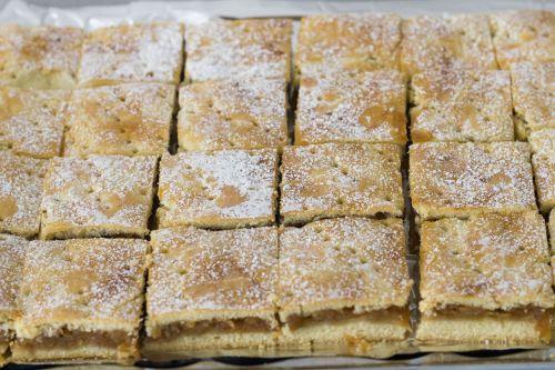 apple pie cake fine