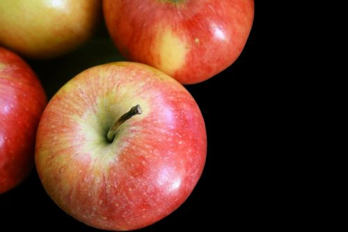 apples isolated fruit