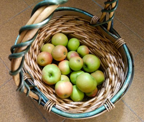 apples basket fruit