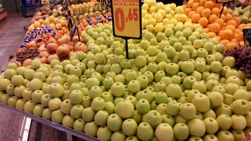 apples supermarket greengrocers