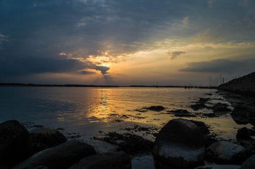 approximately sunset schlei