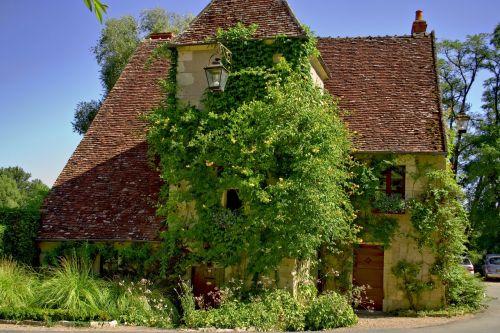 apremont mix old house