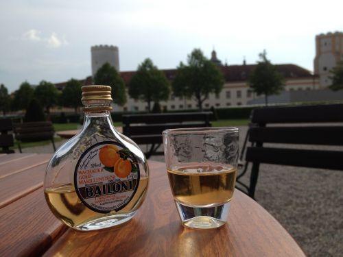 apricot liqueur melk abbey