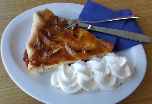 apricots cake dessert