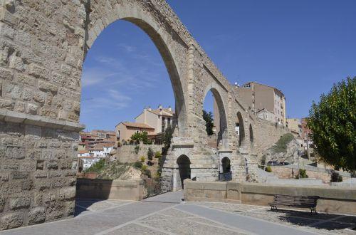 Akvedukas,tiltas,miestas,viduramžių architektūra,architektūra,akmuo,statyba,senas