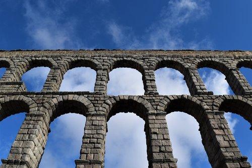 aqueduct  roman  roman architecture