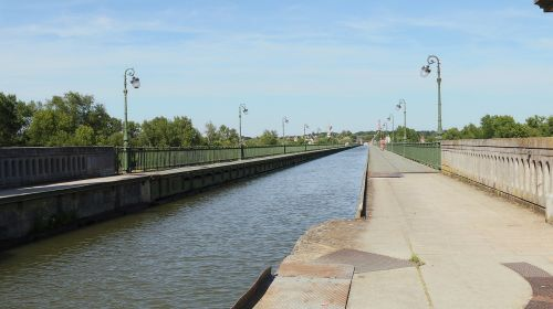 aqueduct briare navigation