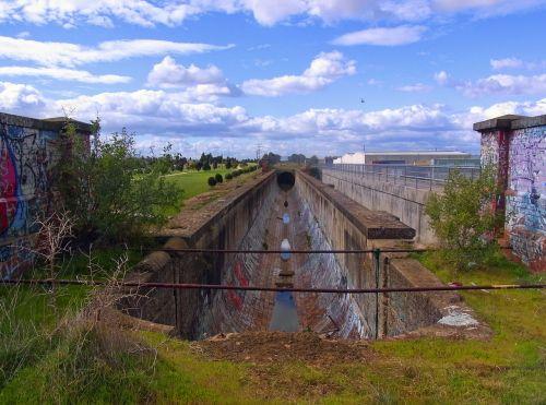aqueduct bridge abandoned disused