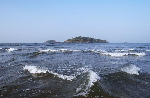 arabian sea islands waves