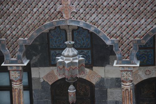 arabic woodcarving houses