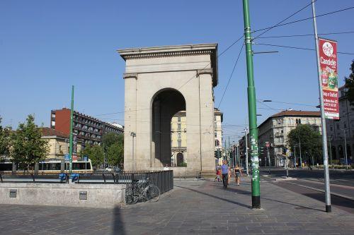 arc milan monument