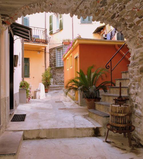 arc door alley
