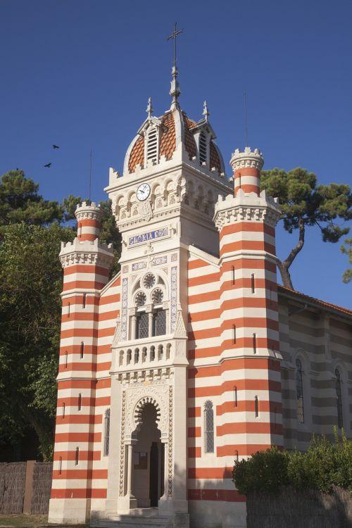 arcachon church monuments