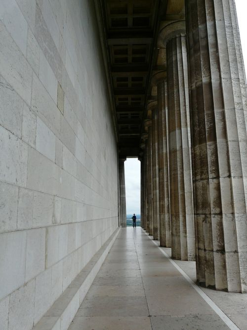 arcade columnar walhalla