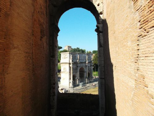 arch of constantine rome colosseum