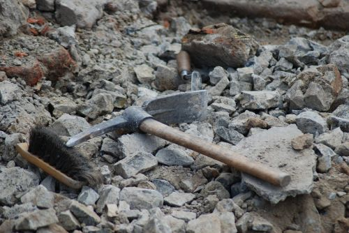 archaeology tools dig