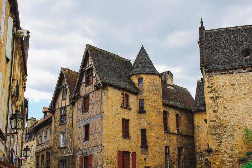architektūra,pastatai,miestas,lauke,gatvė,Miestas,langai