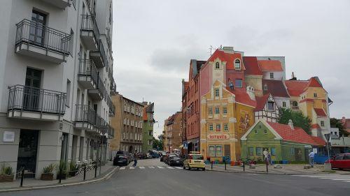 architecture poznan murals
