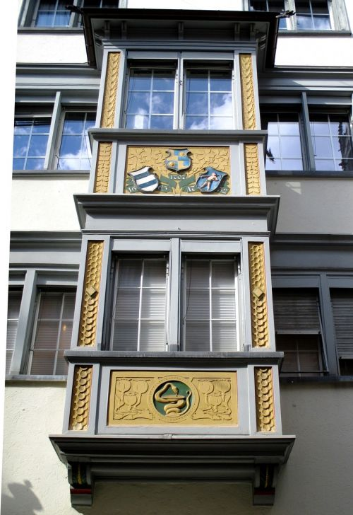 architecture building bay window