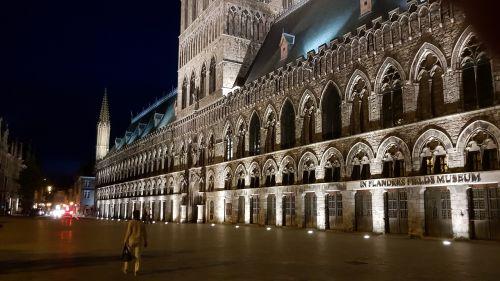 architecture travel lit