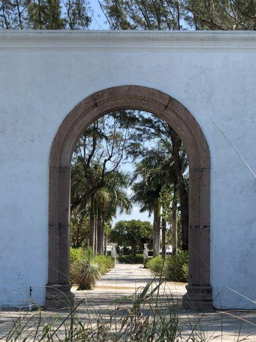 architecture entrance house