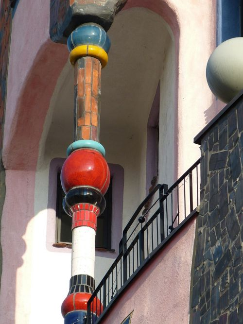 architecture pillar hundertwasser