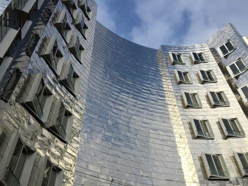 architektūra,pastatas,fasadas,veidrodis,Diuseldorfas,Vokietija,gehry dangoraižių architektūra,miesto vaizdas