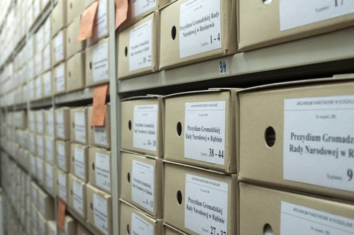 archive  boxes  documents