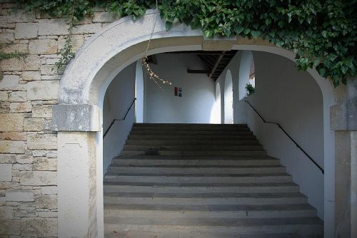 archway emergence stairs