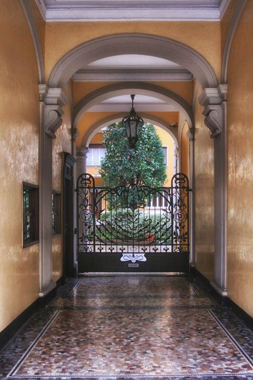 archway portal entrance