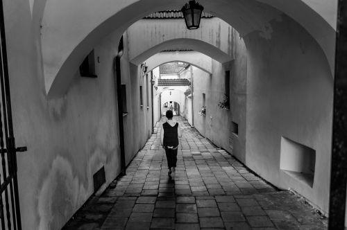 archway black and white kroměříž