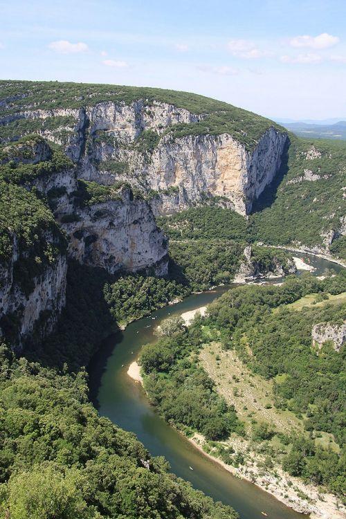 ardèche gorge mountains