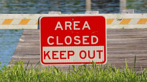 area closed sign closed