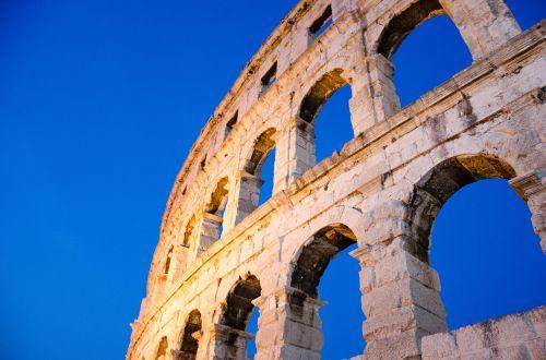 arena building roman