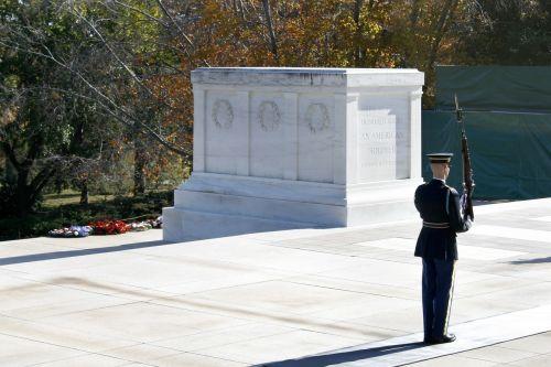 arlingtonas, Arlingtono nacionalinės kapinės, kapas, nepažįstamo kareivio kapas, nežinomų kapas, virginia, kapo apsauga, armija, karas, marmuras, memorialas
