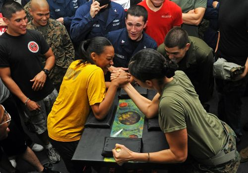 arm wrestling competition women