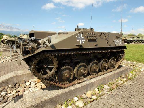 armored tracked vehicle kurz switzerland