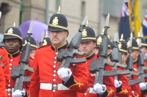 army guns uniform