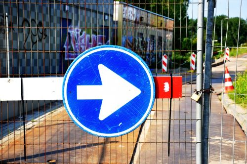 arrow traffic sign road sign