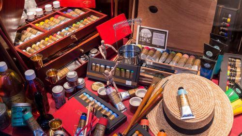 art supplies artist