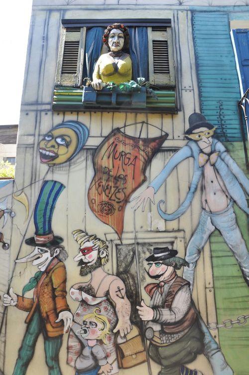 menas,fjeras,tapyba,grafiti,miesto menas,gatvės menas,žmonės,rajonas,langas,moterys