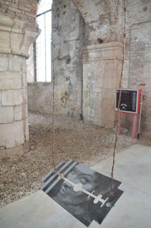 art biennale razor blade