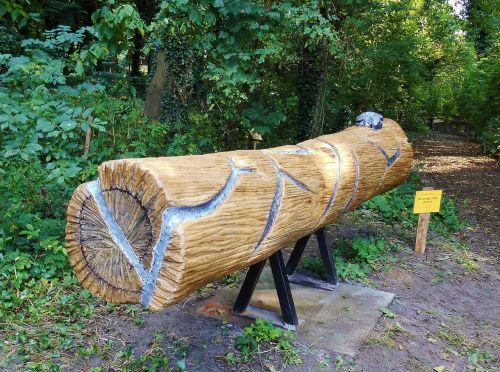 art unika art project wood carving