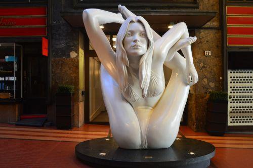 art sculptor creativity